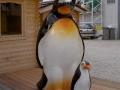 pingouin en résine classique  009