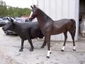 cheval en résine classique 010