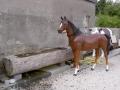 cheval en résine classique 011