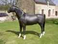 cheval en résine classique 015