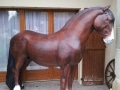 cheval en résine classique 016