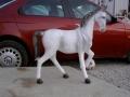 cheval en résine classique 026