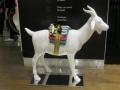 chèvre en résine classique 012