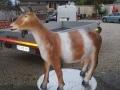 chèvre en resine design 002