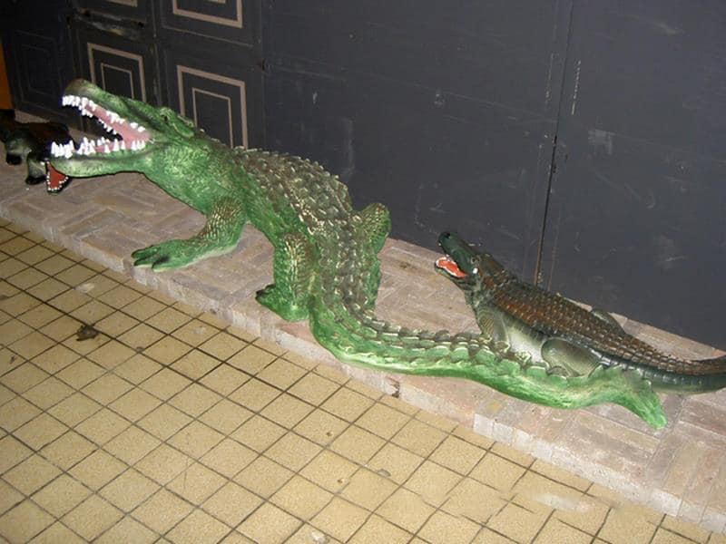 Crocodile animaux en résine classique  034