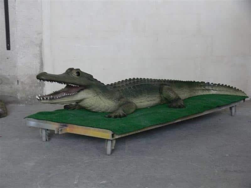 Crocodile animaux en résine classique  040