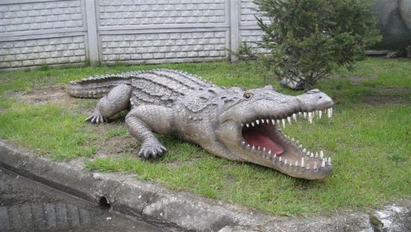 Crocodile animaux en résine classique  050