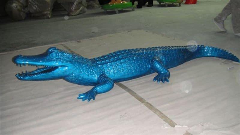crocodile en résine design 006