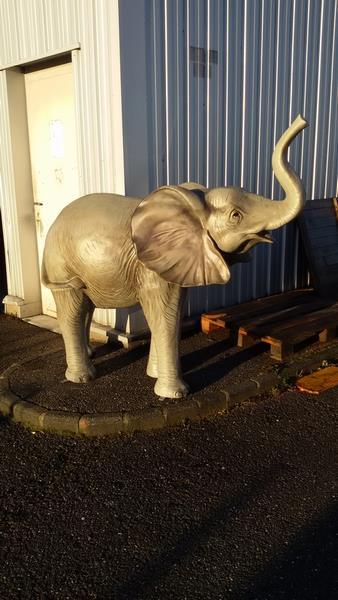 Eléphant animaux en résine classique  063