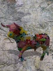 taureau   en resine flower power
