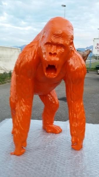 gorille en résine design 007