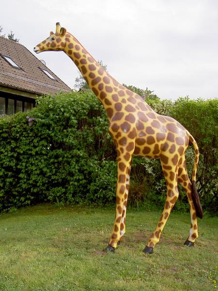 girafe en résine classique 010