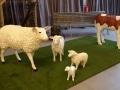 mouton  en résine classique    004