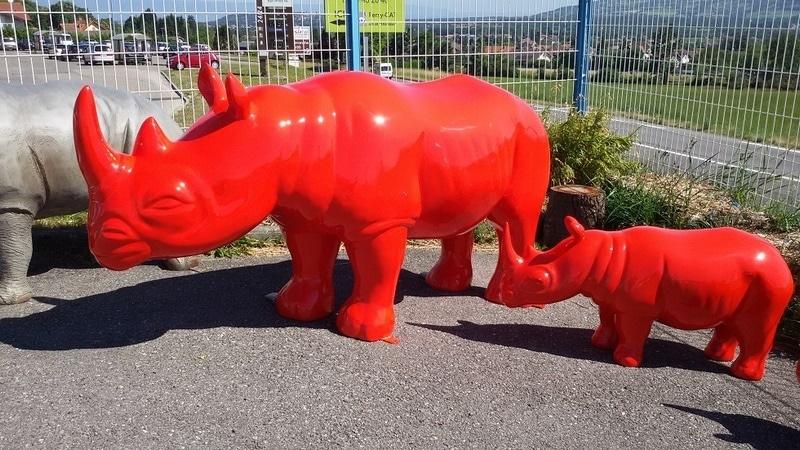 rhinocéros en résine design 009
