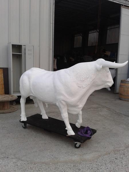 taureau boeuf en résine design 031