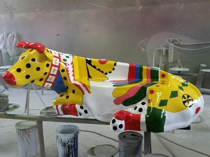 vache banc FR55 en résine design 091
