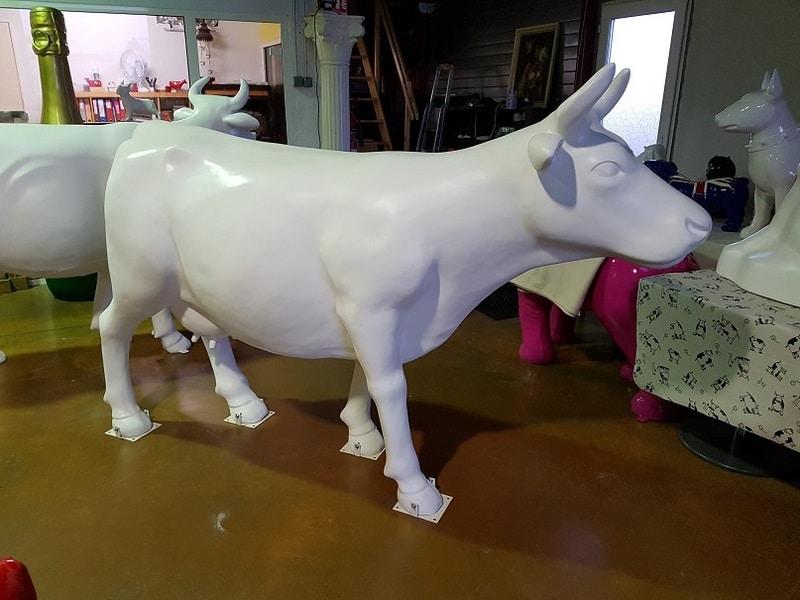 vache en résine FR26 design 068