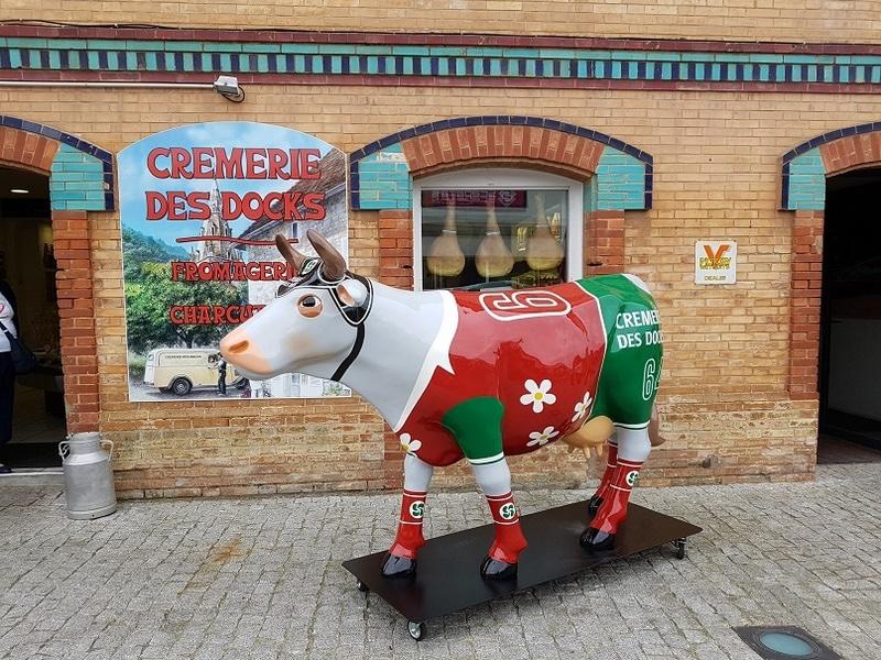 vache en résine FR26  design 073