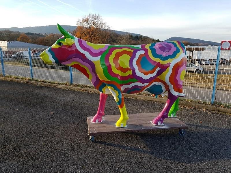 vache en résine FR26 design 079