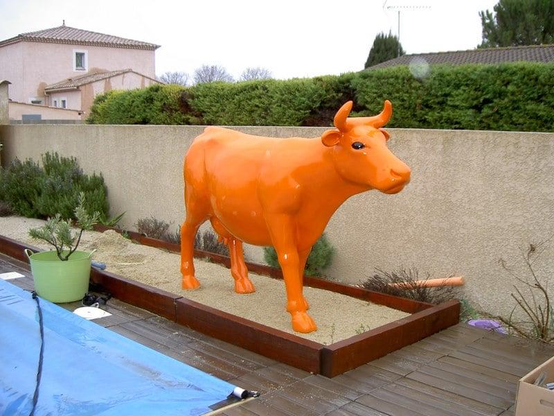 vache en résine FR26 design 105