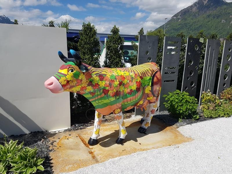vache en résine FR26 vigne design 028