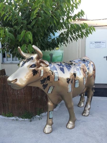 vache en résine FR26 vins design 106