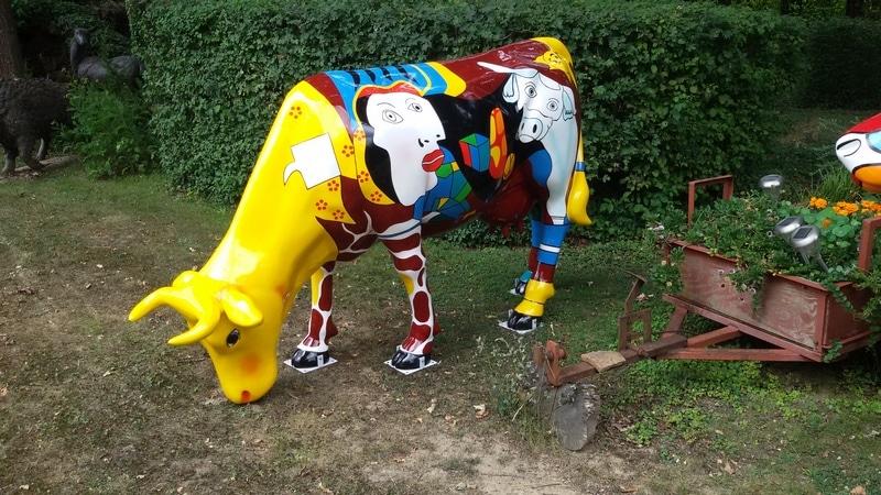 vache en résine FR28 design 062