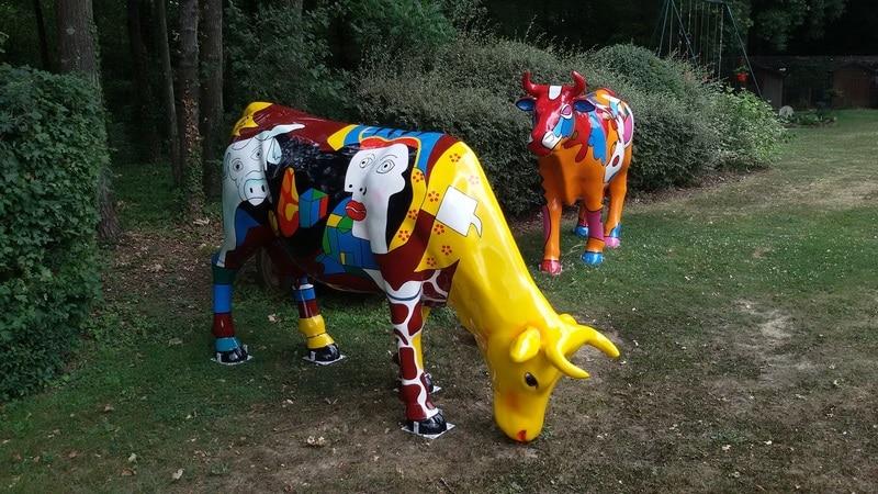 vache en résine FR28 style picasso design 012