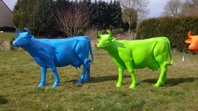 vache en résine L6 design 035