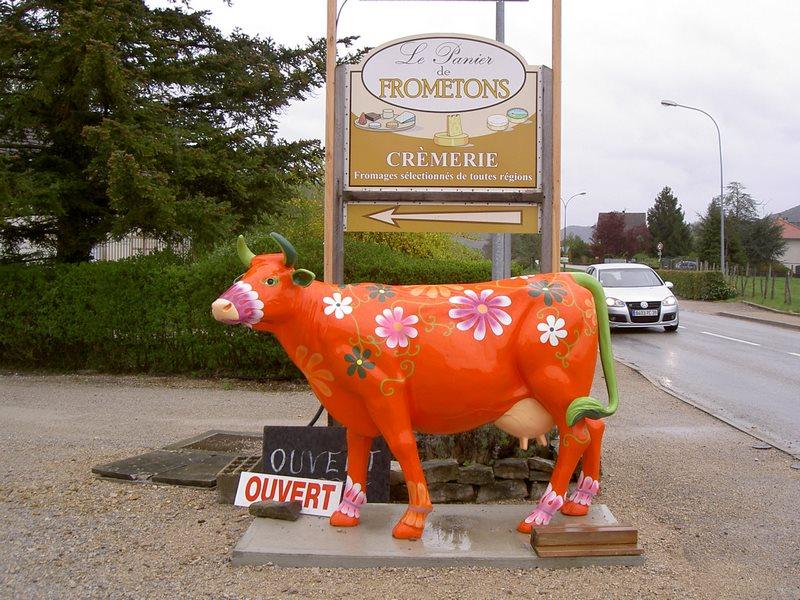 vache  en résine L6 design  paquerette 001