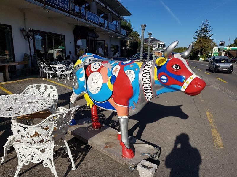vache en résine design 042