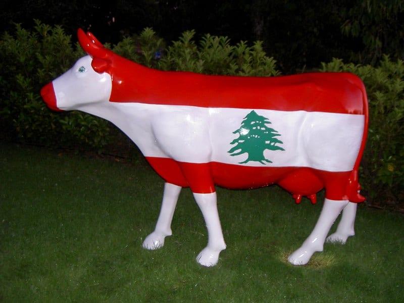 vache en résine design 085