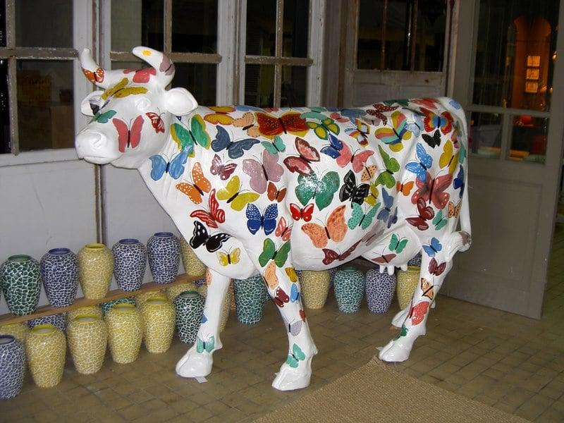 vache en résine design 092