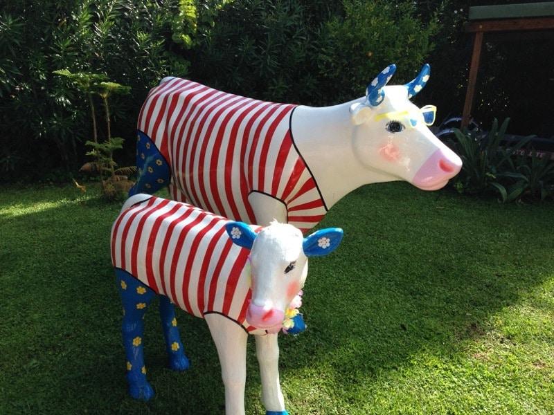 vache en résine design 109