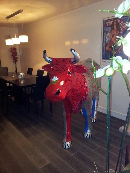 vache en résine design 125
