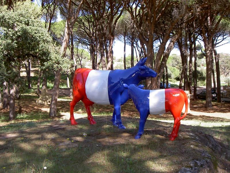 vache en résine design 164