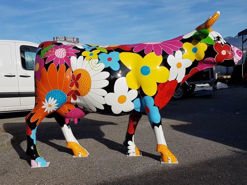 vache en résine flower design 040
