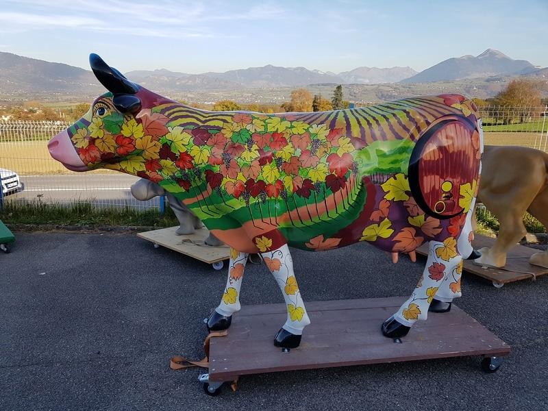 vache en résine  style vigne FR26 design 037
