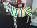 zebre en résine design rayures multicolore