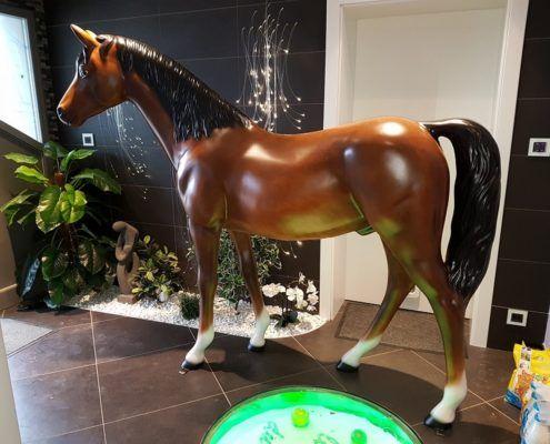 cheval en resine