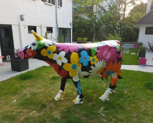 vache flower power en resine design